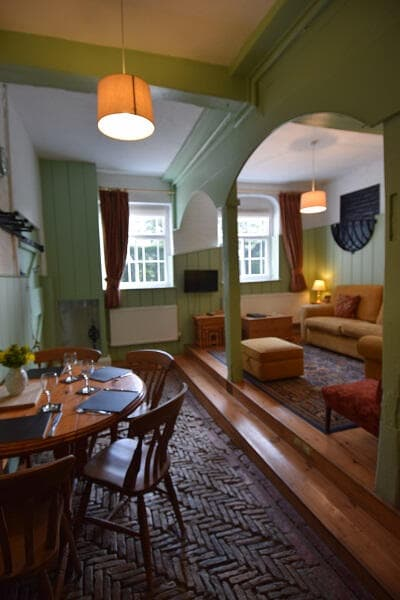Pet friendly Lincolnshire Self Catering - Saddle Room ...